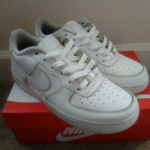 Air Force 1 Sneakers (7Y)
